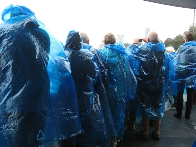 People in blue Maid of the Mist panchos!