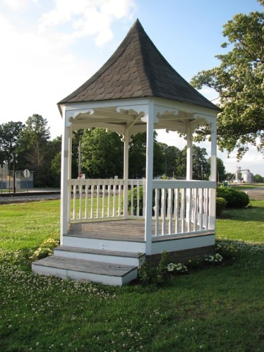 A randomly situated gazebo