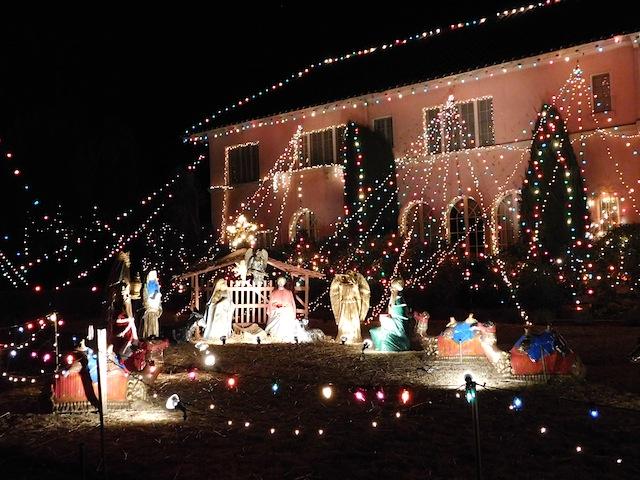 1 - balian_house_altadena_christmas_lights_los_angeles