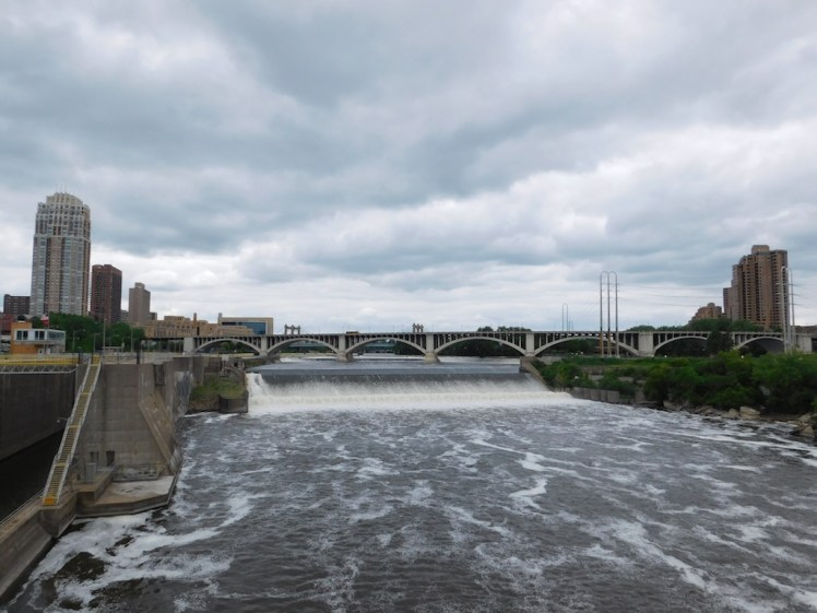 14-minneapolis-saint-paul-twin-cities-saint-anthony-falls