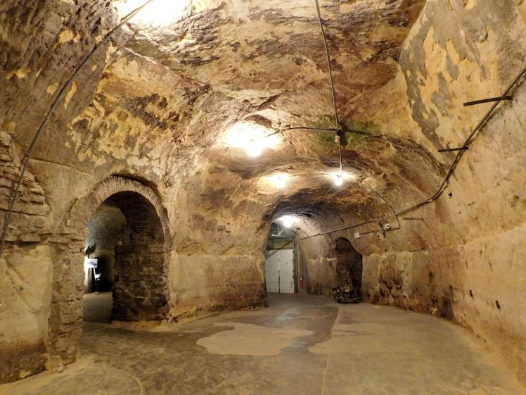 25-minneapolis-saint-paul-twin-cities-wabasha-street-caves