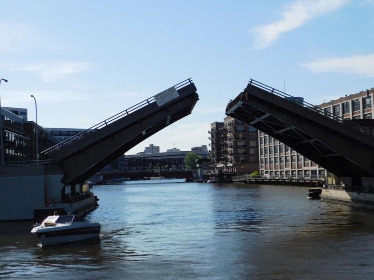 17-milwaukee-boatline-tour