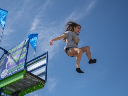 inflatable-free-fall-stunt-jump