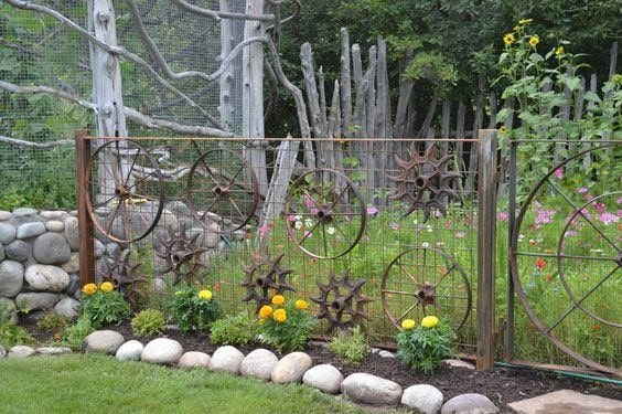 7 Environment Friendly Upcycled Garden Fence Ideas to DIY 5