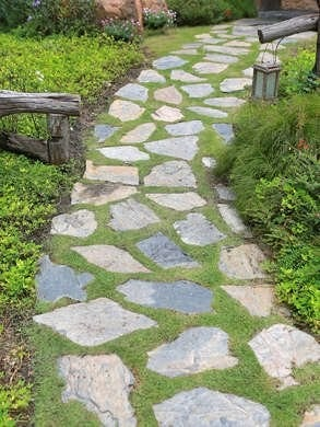 Top 11 Cheap Environment-Friendly Ideas for your Backyard Path & Walkways 7