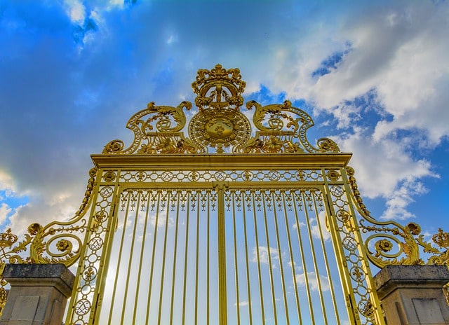 50 Amazing Garden Gates Ideas to Try Today {various materials and design} 14