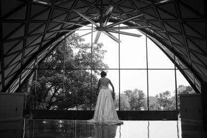 Jenna and her bridesmaids get ready in the modern architecture of the Martin Estate in Rockford, IL.