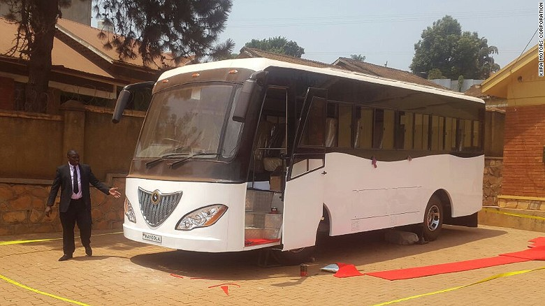 160211111936-africa-solar-bus-uganda-bus-paul-exlarge-169