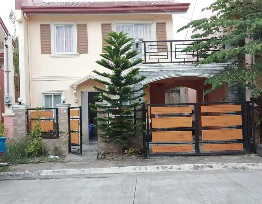 Rush House for Sale in Camella Mandalagan (1)