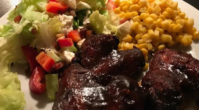 7 Stunden Chicken Wings // Salat mit Pinienkernen und Bacon