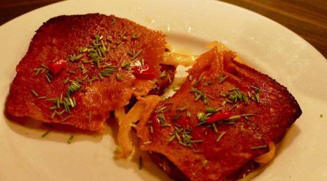Knusper-Käse Brot mit Bacon und Chili
