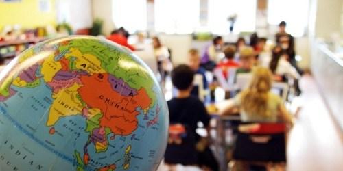 ตัวแบบอันน่าเกลียด: ทำไมเหล่าเสรีนิยม จึงประทับใจเหลือเกินกับระบบการศึกษาของจีนและสิงคโปร์?