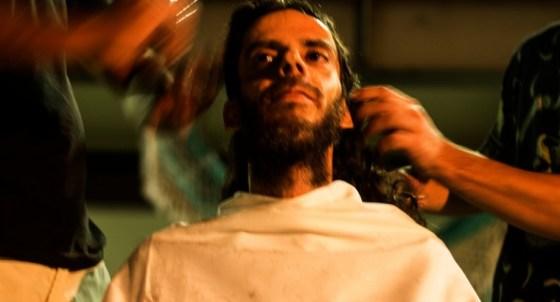 Performance HairCut. Foto de Emerson Santos. Performance de Zimaldo Bacteria Arte.