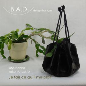 petit sac en cuir pour la fête des mères et mère nature