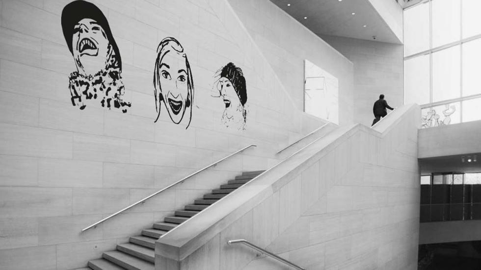 Réalisation d'un décor mural à partir de composition de motifs Happy.