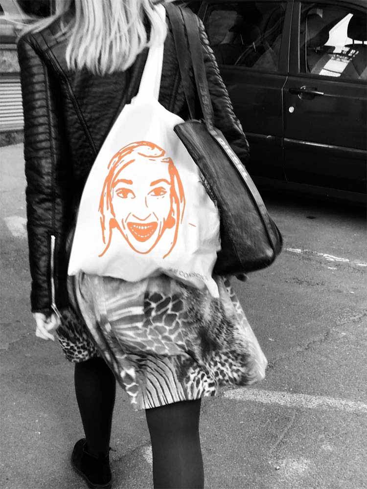Impression d'un visage Happy sur tote bag en coton.