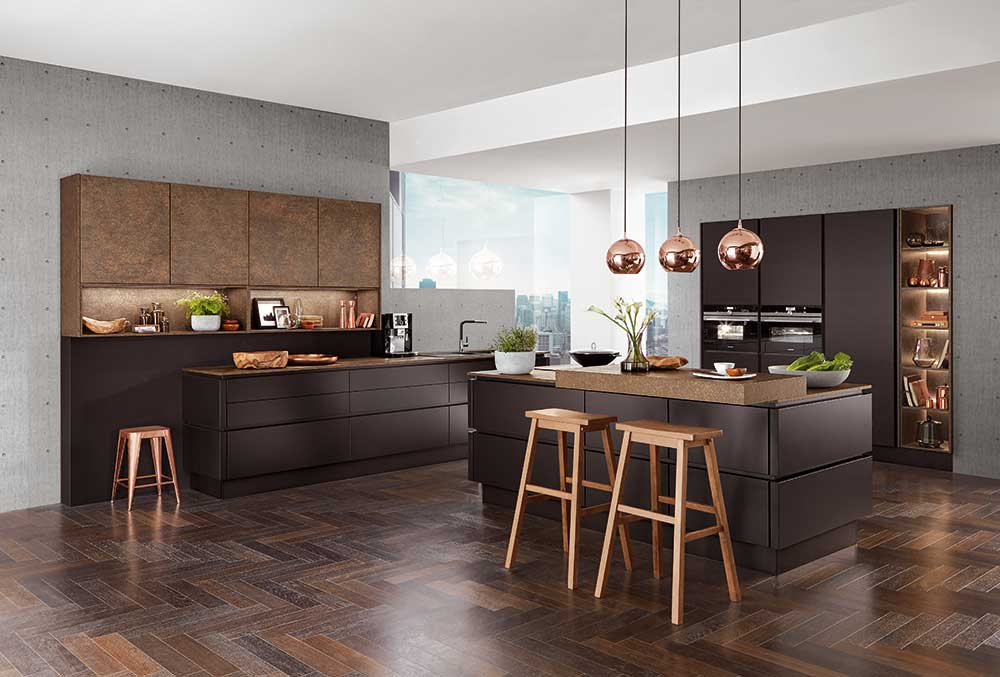 Küche in Zeitloser Schwarzen Farbe. Modern & Klassisch