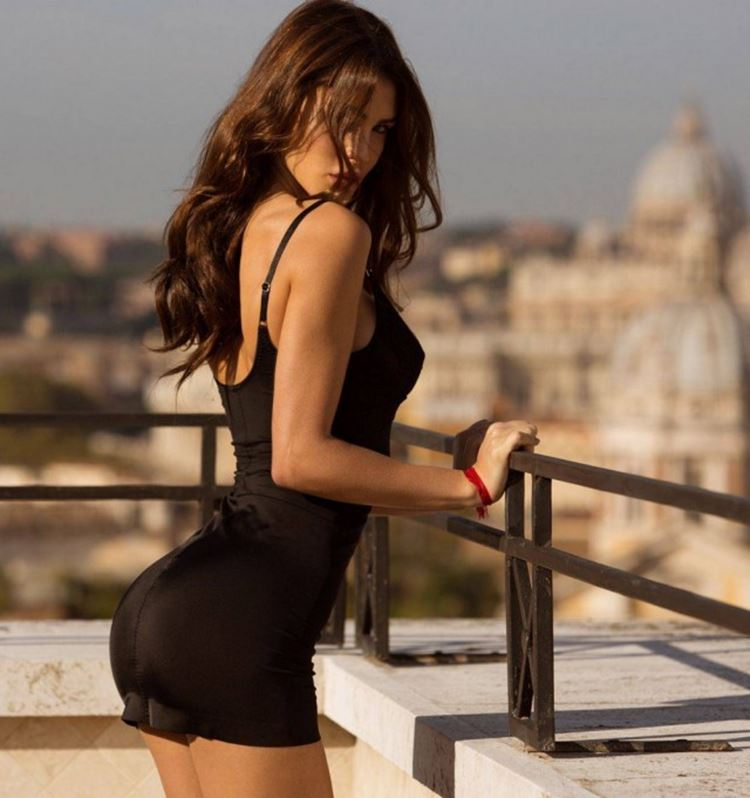 Badchix In Tight Dresses Makes You Smile