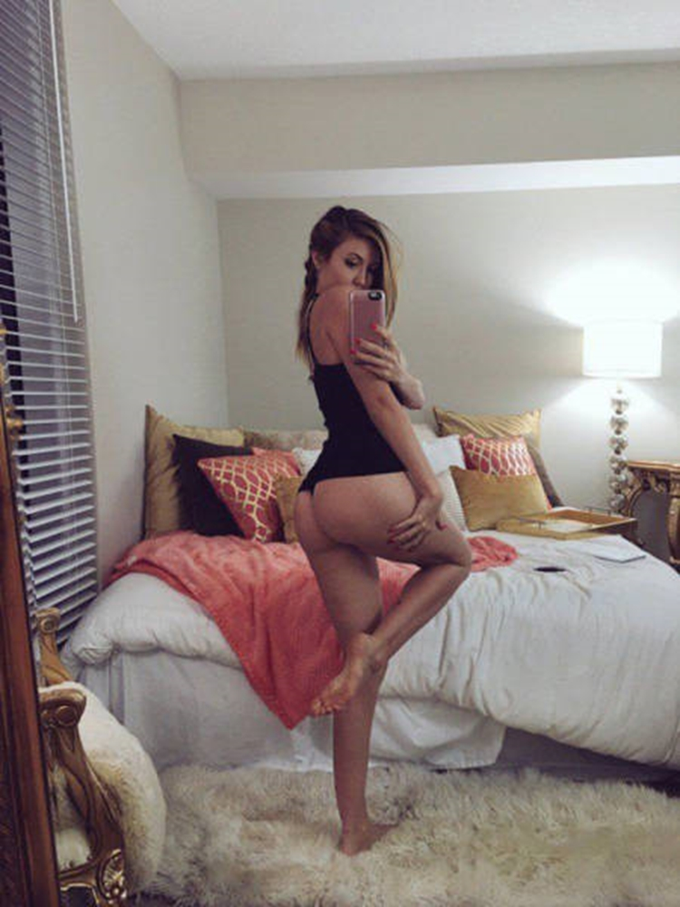 High Five you made it to Hump Day seen on Badchix
