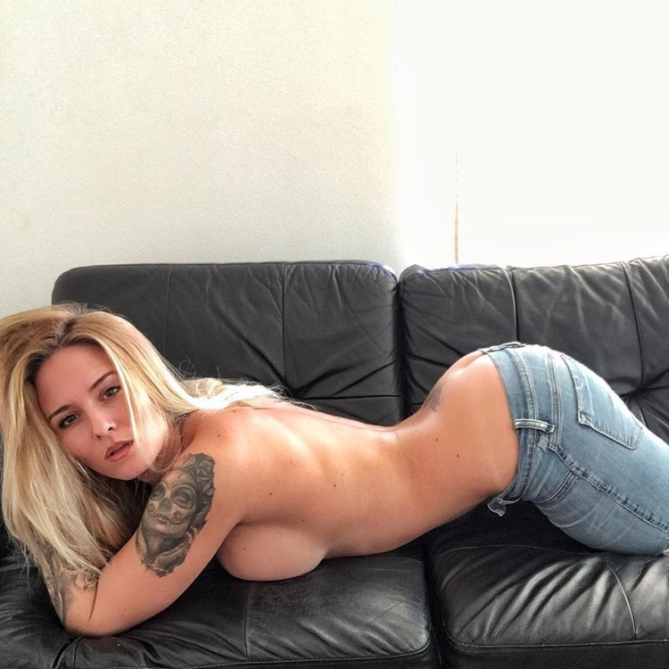 Badchix in Tight Jeans