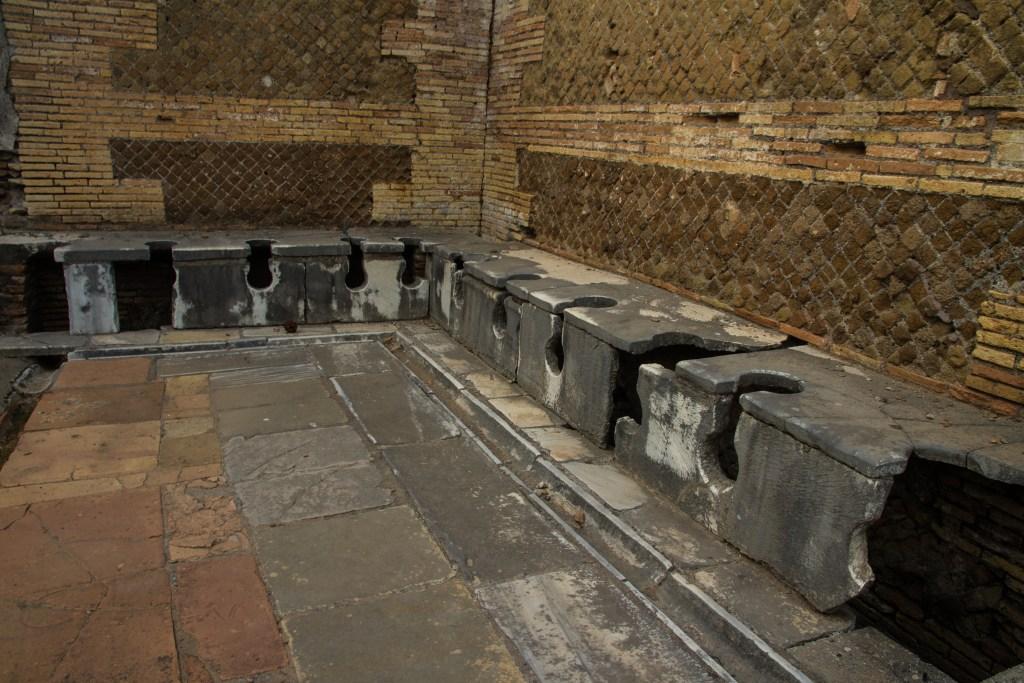 gammelt romersk toalett