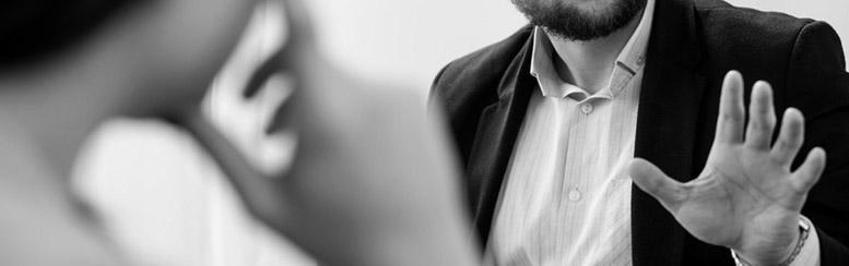 Verhandlungen zwischen Arbeitnehmer und Arbeitgeber sind im Arbeitsrecht von großer Bedeutung