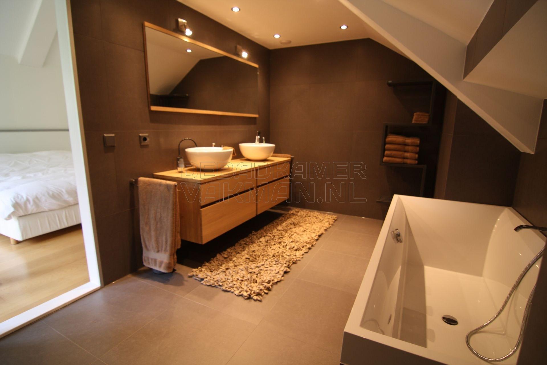 Gestucte Badkamer Nadelen : Badkamervakman u2013 complete badkamer verbouwingen u2013 1500 succesvolle