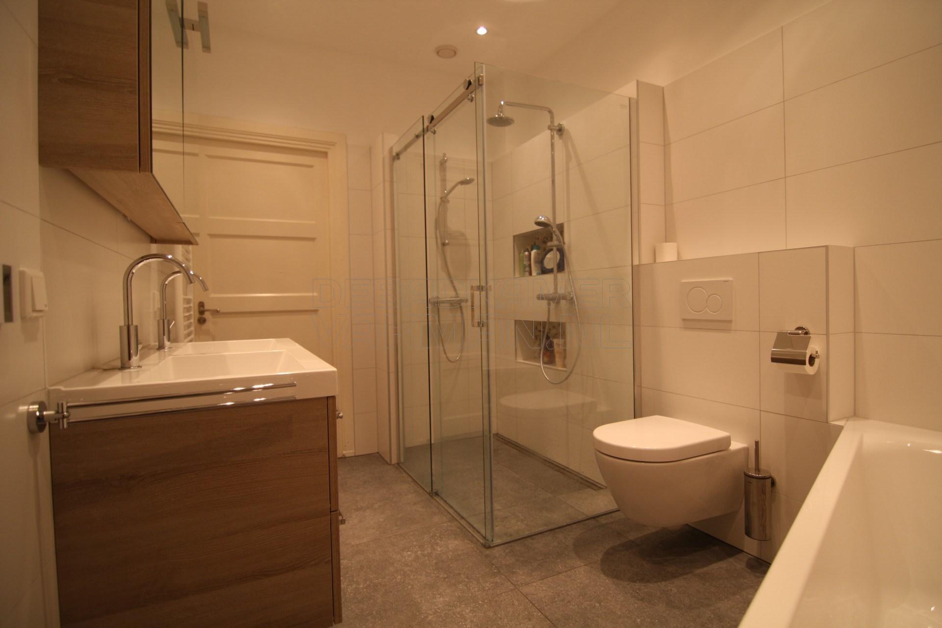 Badkamer Compleet Den Haag.Badkamervakman Complete Badkamer Verbouwingen 1500 Succesvolle