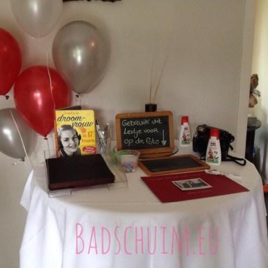 Polaroid Gastenboek I diy voor een bruiloft of feest I Creatief lifestyle blog badschuim