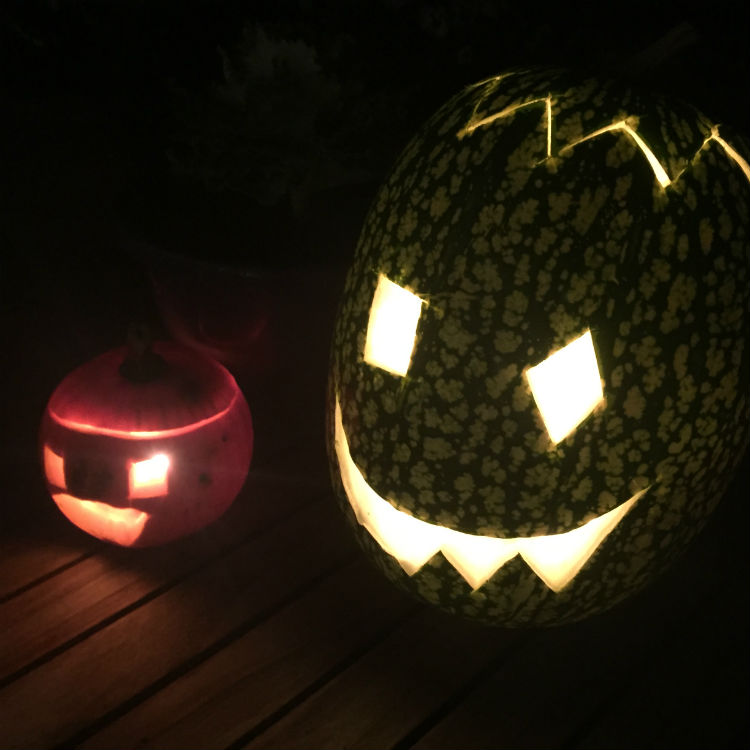 Populair Pompoenen uithollen - Maak je eigen Halloween pompoen gezichtjes @XV36