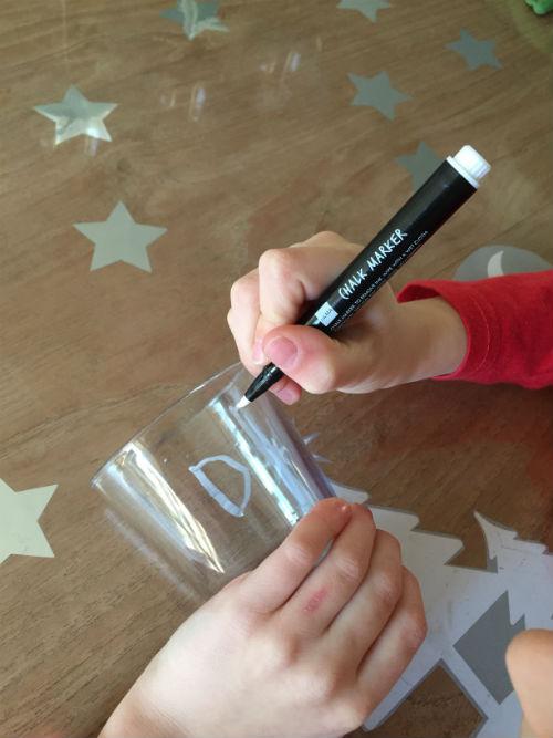 DIY wijnglazen met krijtstift - versier je eigen wijnglazen
