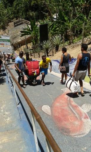 transport up the hill (portuguese: morro)