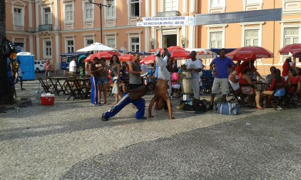 Capoeiristas posing so I can take a picture of them