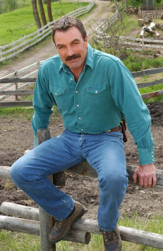 Bulge Kings, Bulge, Tom Selleck, Magnum PI, Magnum, Cock, Balls, Underwear, Tight, Pants, Shorts, Hawaii, Mustache, Daddy, Daddie, Cowboy