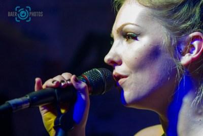 Konzert-Musik-Live-Baer.Photos-Fotograf-Holger-Bär-Sängerin-Lucy-Caffrey-Your-Army