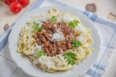 Geschmortes Rinder Ragu mit Pasta