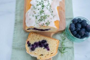 Heidelbeer Rosmarin Kuchen