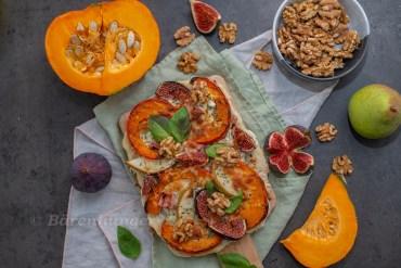 Kürbis Pizza mit Birnen und Feigen