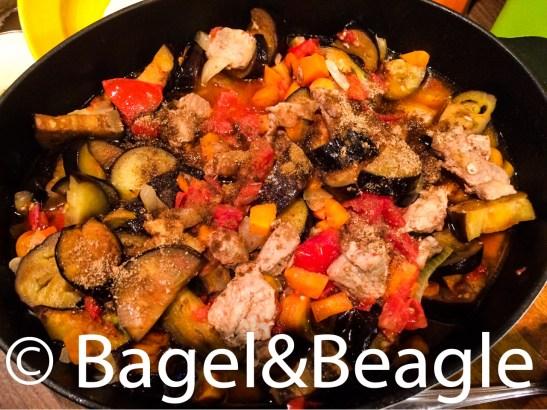 Тушеное мясо с овощами по-молдавски