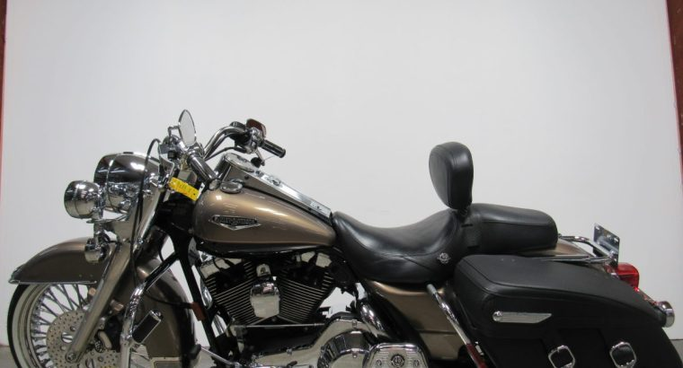2005 Used Harley Davidson Road King U4327