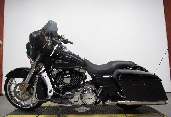 2013 Used Harley Davidson Street Glide U5056
