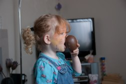 This is how to eat an Easter Egg