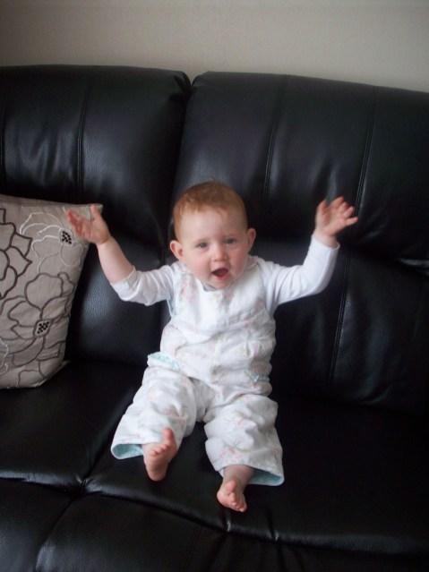 Hands up, Baby hands up