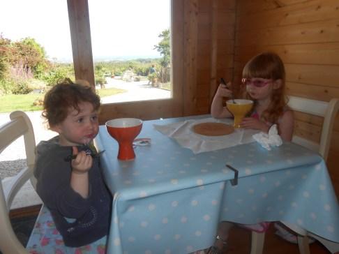 The girls' ice creams