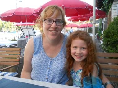 Mommy and Amélie, again