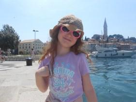 Amélie by the harbour