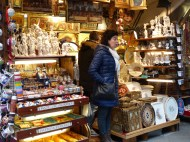 Florence leather markets