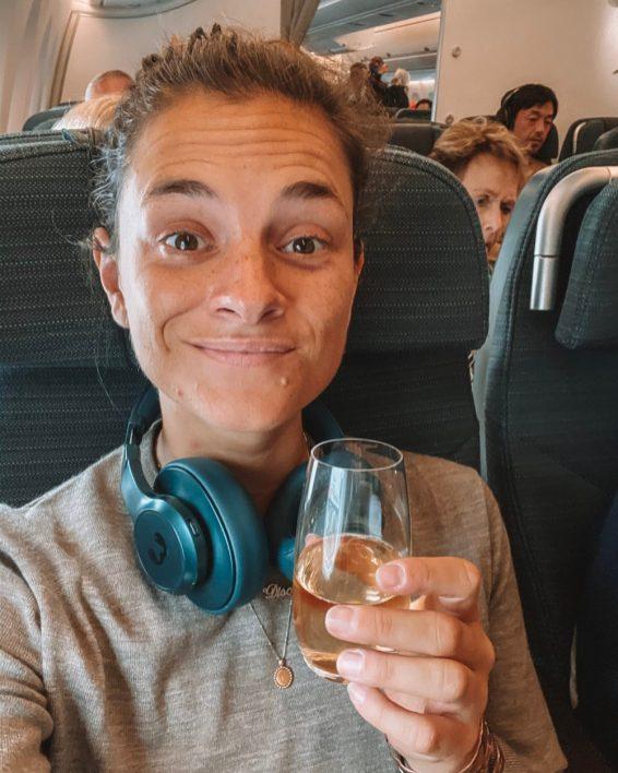 Champagne bij Premium Economy van Cathay Pacific