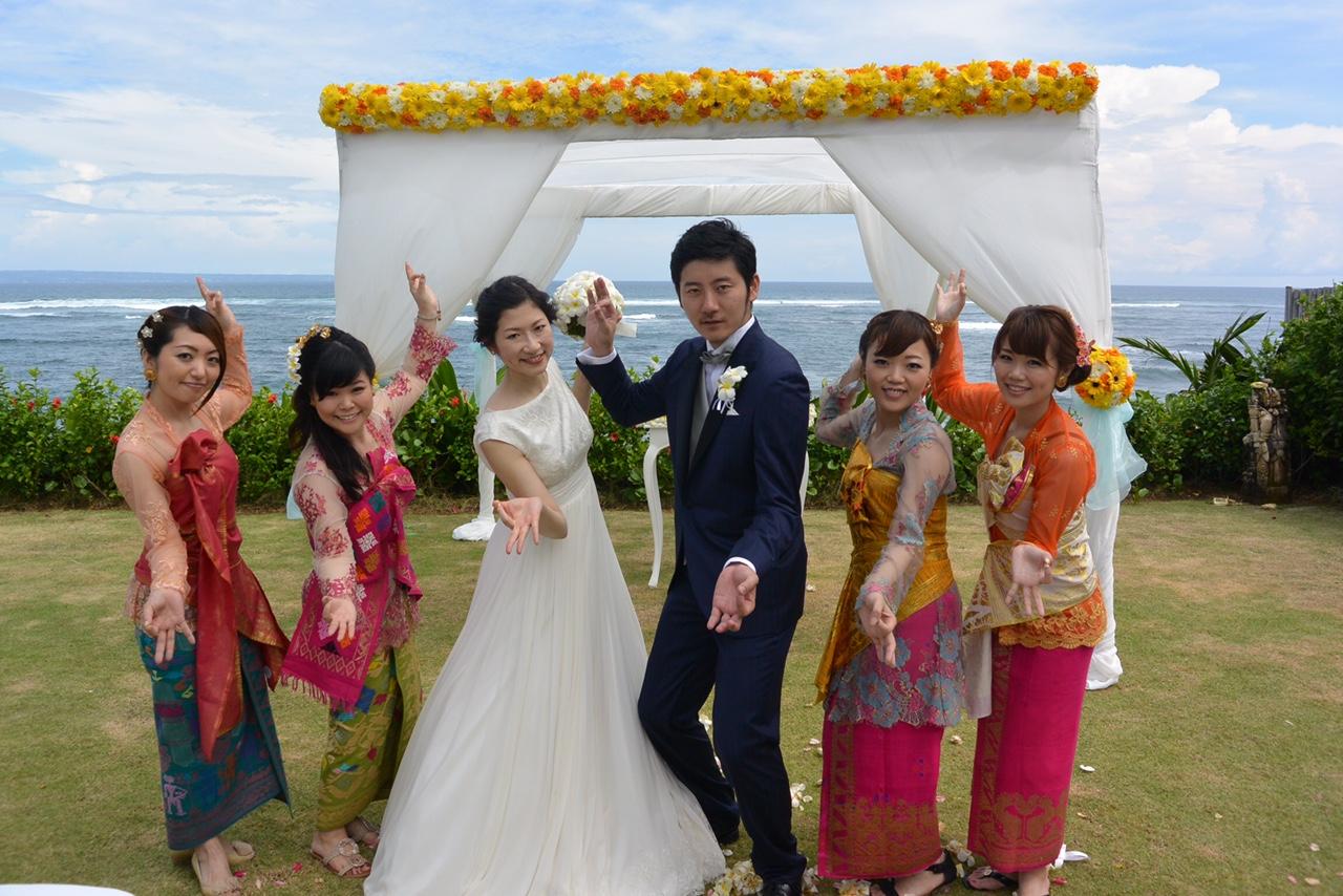 結婚式友人参列