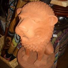 シンガ(獅子)像 素焼き製のシンガ像